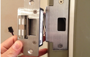 Locksmith Leeds lock fitting